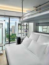 YOTEL Singapore Premium Queen View with Bunk