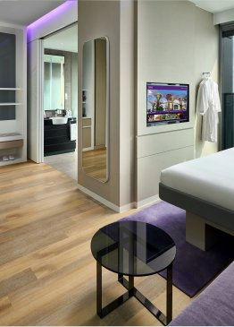 YOTEL Singapore First Class King Junior Suite