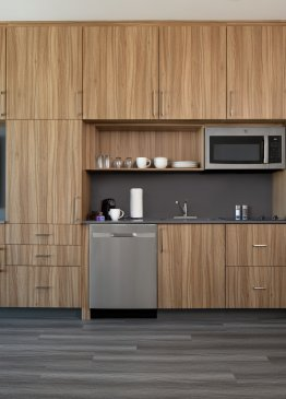 YOTELPAD Park City - kitchen and storage