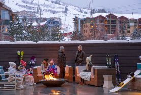 YOTELPAD Park City - outdoor deck with firepit