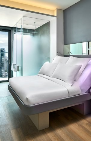 YOTEL Singapore First Class Queen