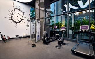 YOTEL Singapore - gym equipment