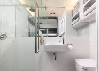 YOTELAIR Shower cabin