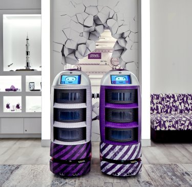 YOTEL Singapore - concierge robots - Yoshi and Yolanda