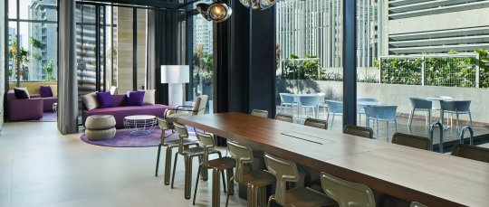 YOTEL Singapore Komyuniti co-working space at day